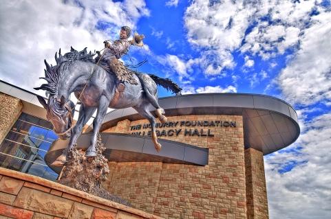 cowboy statue un of wyoming laramie